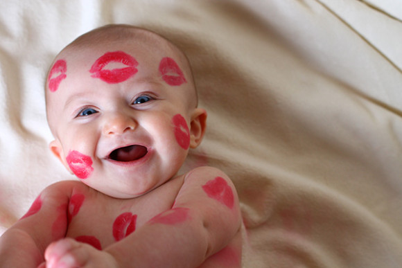 Kyss kan være koselig i alle aldre foto: themomcreative.com
