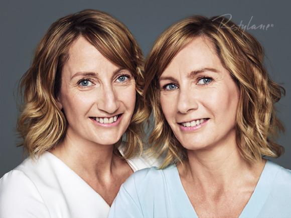 Proof in Real Life. Av tvillingene Diana & Sandra er det Sandra til høyre som har fått behandling med Skinbooster og lett volumbehandling